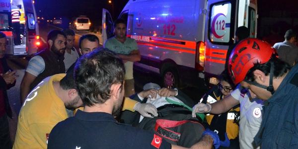 Sakarya Arifiye'de asker uğurlama kazası: 3 yaralı