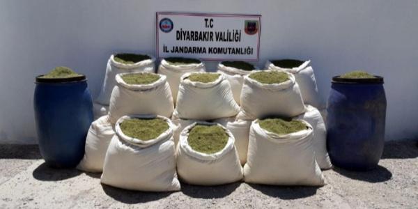 Diyarbakır'da terör örgütüne ait sığınakta 31 milyon lira değerinde uyuşturucu çıktı