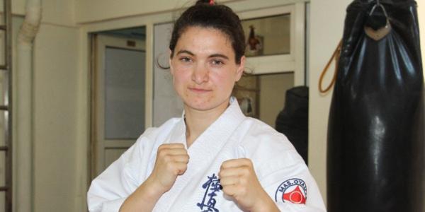 Kyokushinde 3 yıldır Türkiye şampiyonu olan Cennet, Avrupa Şampiyonası için sponsor bulamıyor