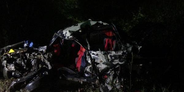 Bursa'da TIR'la çarpışan otomobildeki 3 kişi öldü, 3 yaralı