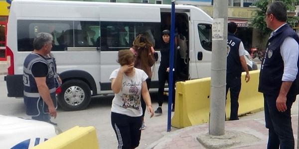 Burdur'da masaj ve güzellik salonlarına eş zamanlı baskın: 7 gözaltı