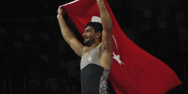 6. kez Avrupa şampiyonu olan Taha Akgül kendi rekorunu egale etti