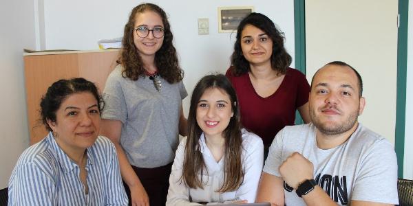 İzmir'de üniversite öğrencilerinden yerli Facebook