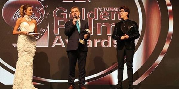 Zer 5. Türkiye Altın Palmiye'de yılın sanatçılarına ödül yağmuru