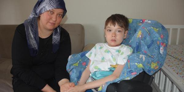 Oğlunu, sardığı sarmalardan topladığı paralarla ameliyat ettirdi