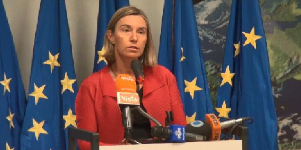 Avrupa Birliği, ABD'nin çekilmesine rağmen İran'la devam kararı aldı