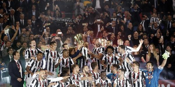 Milan'ı 4-0 yenen Juventus İtalya Kupası'nın sahibi oldu