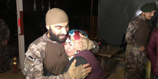 Afrin'den dönen Özel Harekatçılar için Bursa'da sevinç gözyaşları
