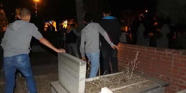 Çorum'un mezarlıktaki 'gizemli kız'ın bulunduğu iddia edildi