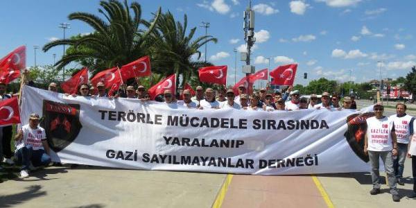 Teröre karşı mücadele verenler gazilik ünvanı için Ankara'ya yürüyor