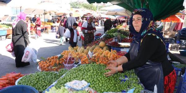 Zonguldaklı kadın pazarcı, 14 bin lira yatırıp milletvekili adayı oldu