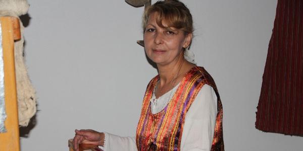 Bilecikli kadın 18 yıl mücadele ettiği hastalığı dokuma tezgahı ile yendi