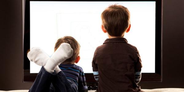 Kulak burun boğaz doktorundan televizyonu yakından izleyen çocuklar için uyarı