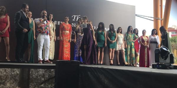 İngiltere'den ödüllü ünlü modacı Çukurambar pazarında defile düzenledi