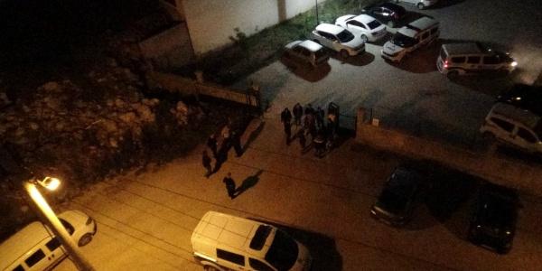 Mardin'de site sakinleri fuhuş yapıldığı iddiasıyla mahalleyi ayağa kaldırdı