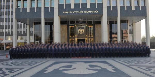 Hava Kuvvetlerinde 101 asker için FETÖ'den gözaltı kararı