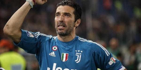 Efsane kaleci Buffon'dan Juventus'a kötü haber: Ayrılıyor