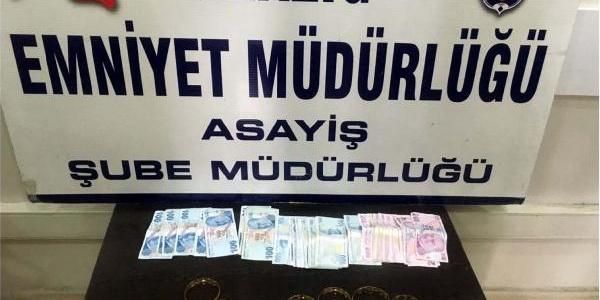 Elazığ polisi, sahte bilezik satıcılarına suçüstü yaptı