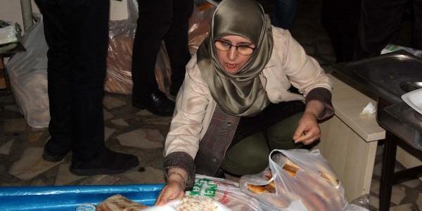İiftarda konuşan HDP Milletvekili Hüda Kaya: Meslek sahibi insanlar nasıl kaçacakları derdine düştü