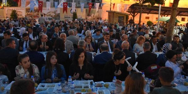 Gaziantep'te 4 bin kişi iftar sofrasında buluştu