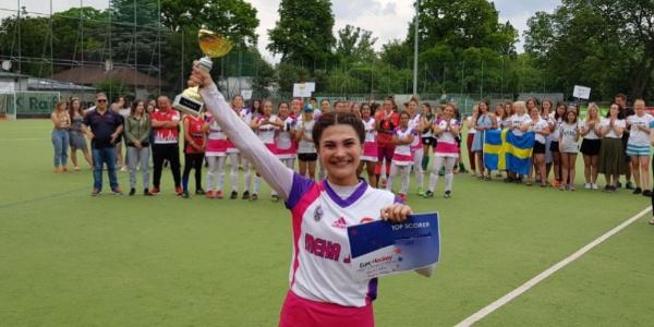 Gaziantep Polisgücünden Nurhan Çınar Avrupa hokey gol kraliçesi oldu