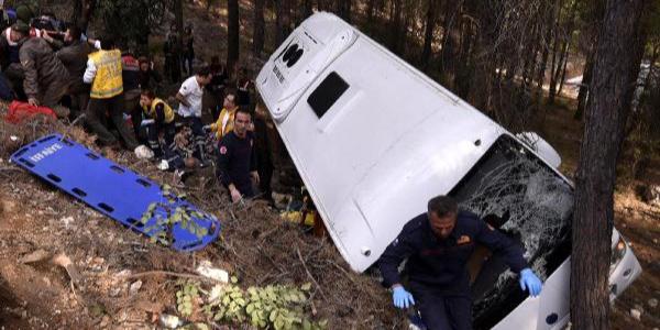 Antalya'da 3 ölümlü kazada sürücüye verilen cezada 'iyi hal' indirimi