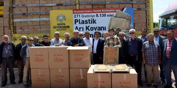 Konya Büyükşehir Belediyesi 8 bin 500 arı kovanı dağıttı