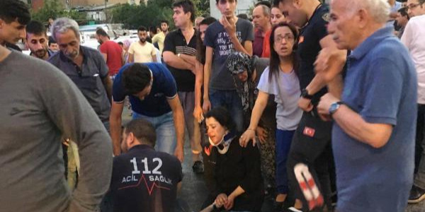 Aydın'da motosikletle çarpışan otomobildeki 1 kişi öldü, 4 yaralı