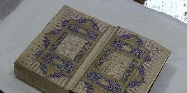 Numan Kurtulmuş devreye girdi 524 yıllık Kuran-ı Kerim Topkapı Sarayı'na döndü