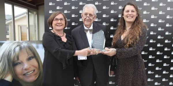 """Duygu Asena Roman Ödülü """"Gerçek Hayat""""la Oylum Yılmaz'ın oldu"""