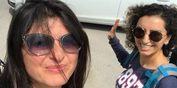 Nevşehirli turizmci 2 kadın otostopla 1 haftada Karadeniz'i gezdiler