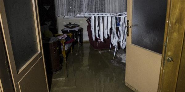 Bursa'da sel altında kalan bir köye 7 saatte ulaşıldı