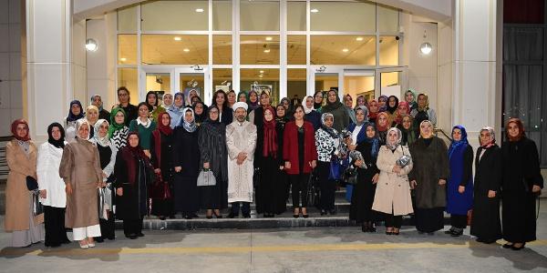 Kadın STK temsilcileri Diyanet İşleri Başkanı Erbaş'la iftar etti