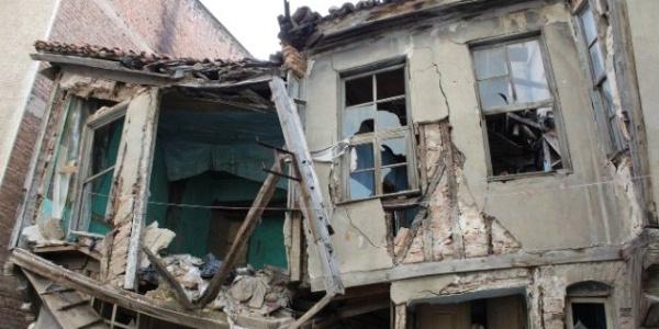 İçişleri Bakanlığı talimat verdi metruk binaların yıkımına başlandı