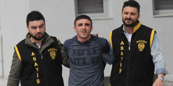 Adana'da apartman sakinlerine kapıyı açtıran hırsız evi soydu