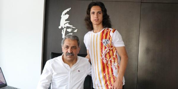 Kayserispor'da 14 yaşındaki alt yapı futbolcusuna PSG'den davet