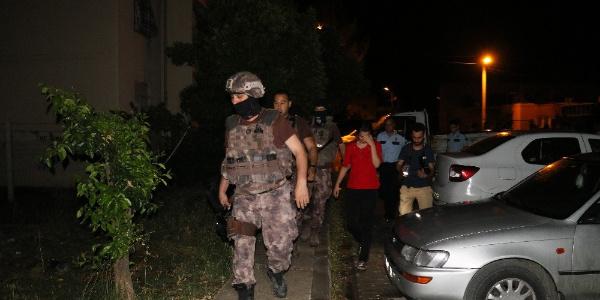 Adana'da Özel Harekattan eli silahlı sevgili operasyonu