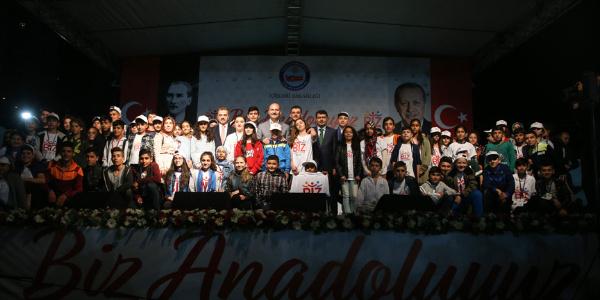 Anadolu'dan gelen bin öğrenci İstanbul'da evlerde misafir edildi