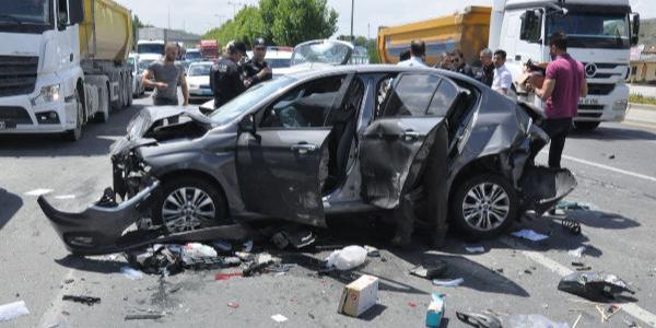 Ankara'da sivil polis aracına otomobil çarptı: 3'ü polis 4 yaralı