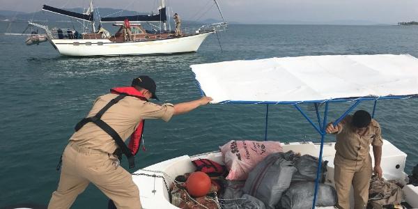 Sahil Güvenlik'ten Didim açıklarında  skunk operasyonu