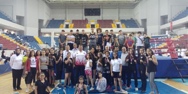 Aydınlı sporcular Mersin'deki şampiyonadan 11 madalya ile döndü
