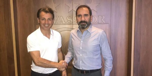 Tamer Tuna Sivasspor ile 1 yıllık sözleşme imzaladı