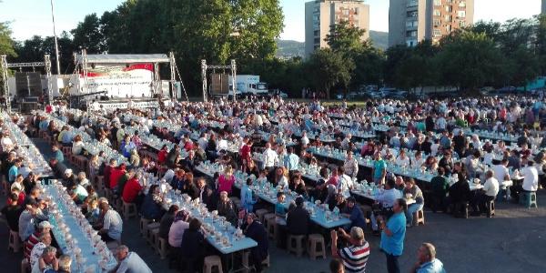 Muharrem İnce Bulgaristan Kırcaali'deki iftarda en büyük projesi huzuru anlattı