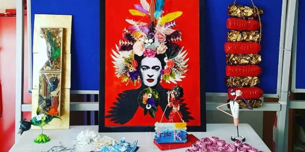 Ortaokul öğrencilerinden atık malzemelerle sanat eseri