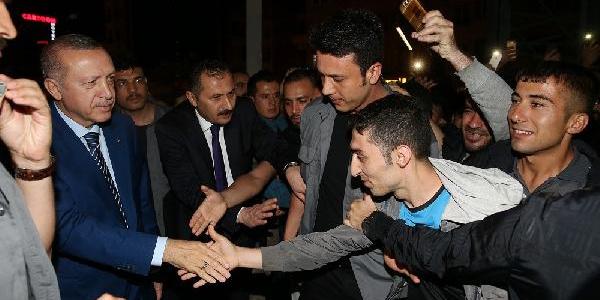 Cumhurbaşkanı Erdoğan gece yarısı Taksim Camii inşaatını gezdi