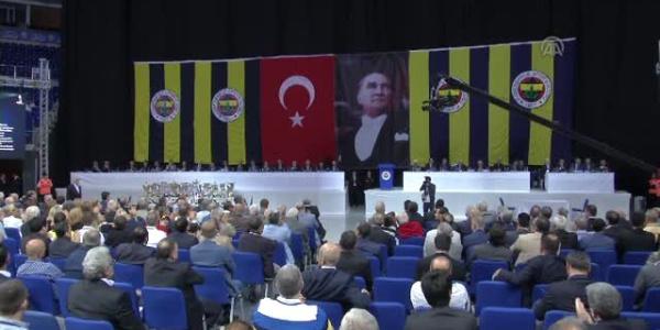 Fenerbahçe Olağan Seçimli Genel Kurulu'nda yuhalama sesleri