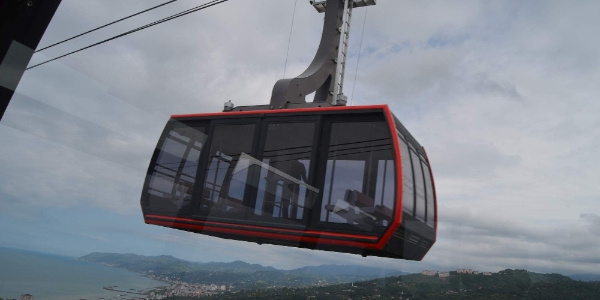 Trabzon'un Beşikdüzü ilçesine Karadeniz'in en büyük teleferik hattı yapıldı