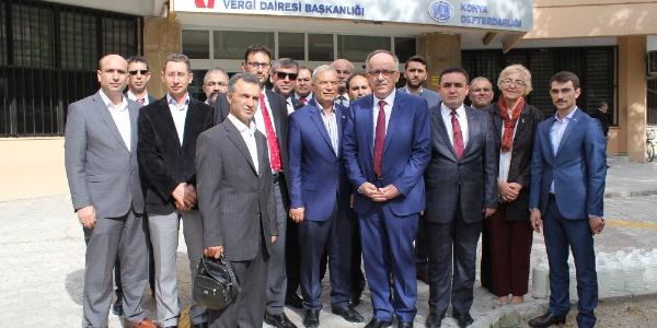 MHP'den memurlara da yılda iki maaş ikramiye sözü