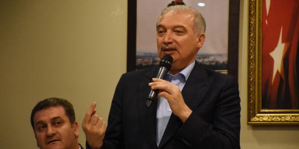 İBB Başkanı Mevlüt Uysal'dan seçim mitingi gibi sahur programı