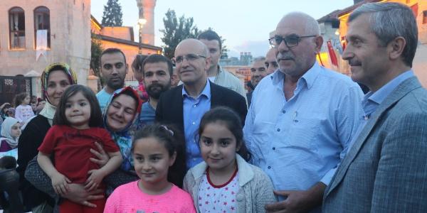 Başbakan Yardımcısı Mehmet Şimşek Gaziantep'te sıradan vatandaş gibi